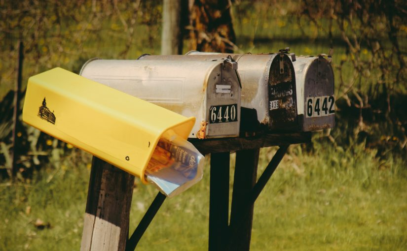 La fin du courrier sous film plastique ?